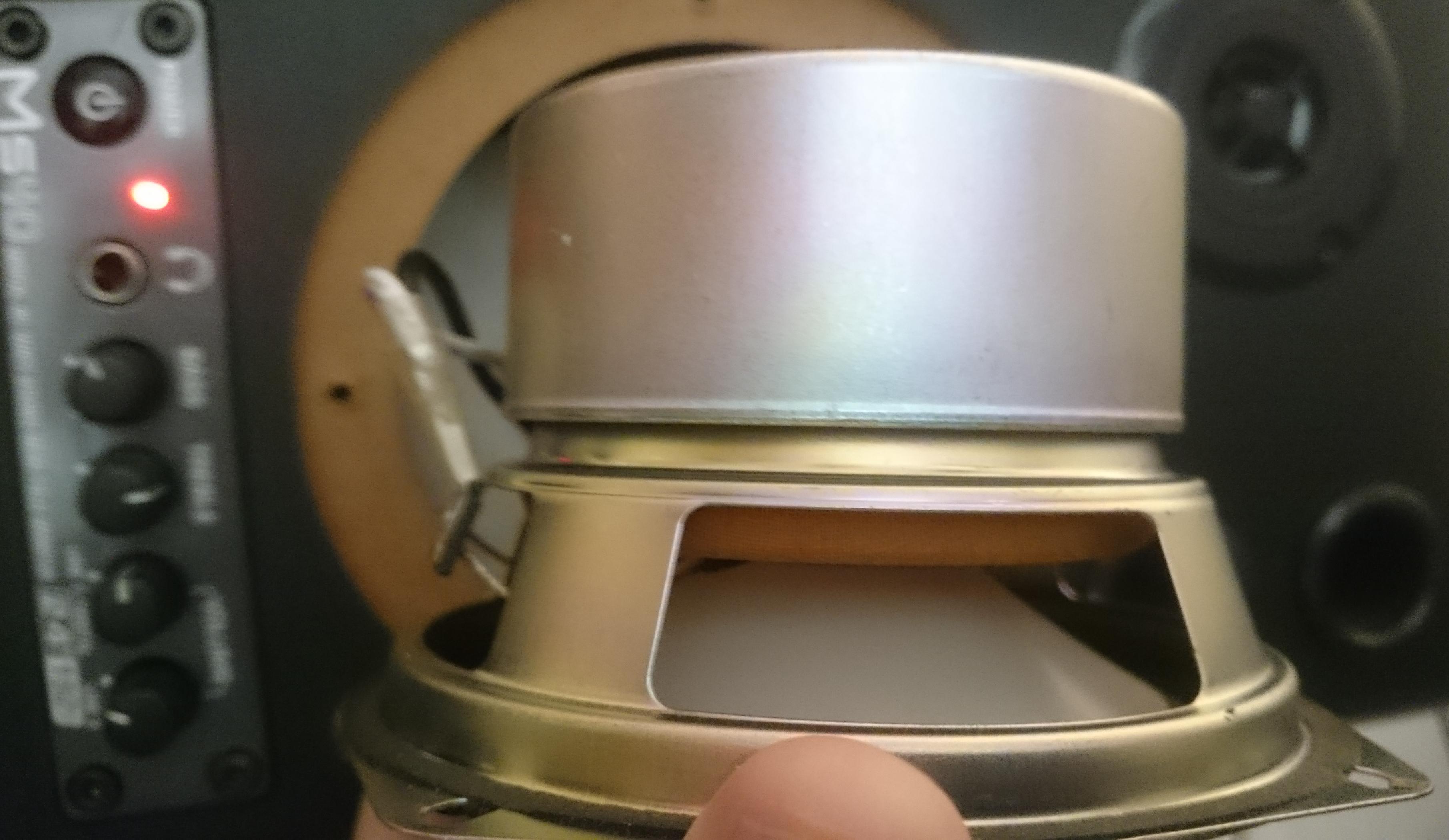 Haut-parleur / Enceinte extérieure pour émetteur-récepteur radioamateur : Faire le bon choix pour ses oreilles Behringer-ms40-hp2