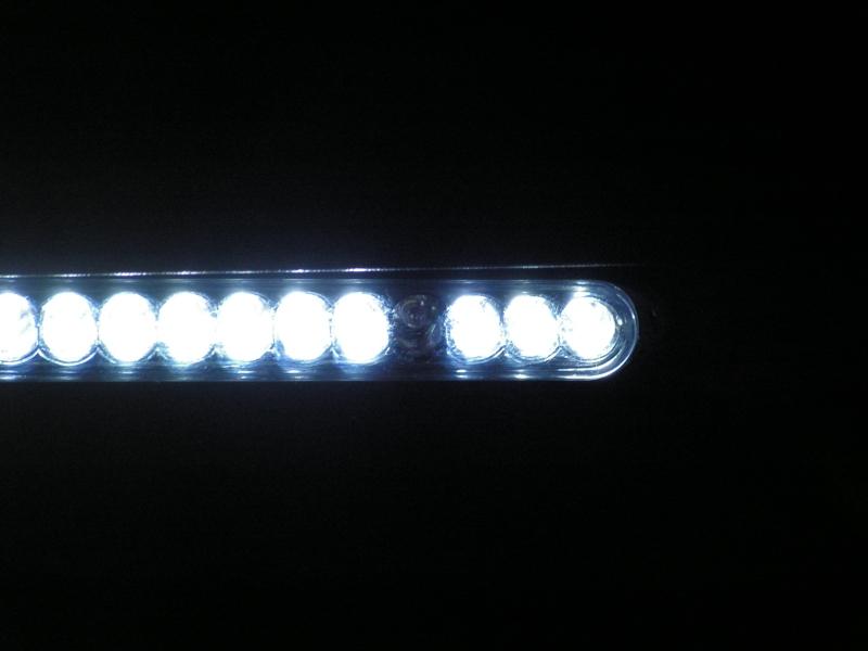 SAV Lampe auto Pict0013
