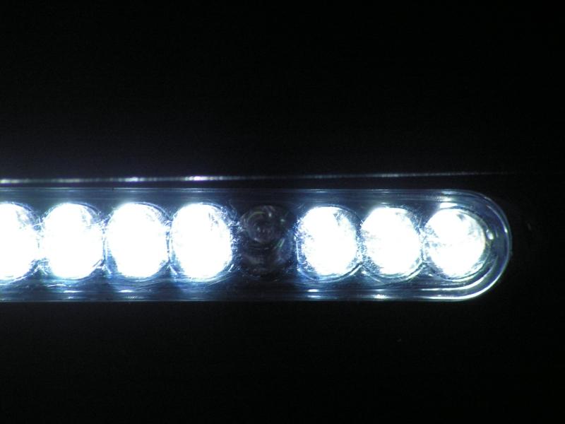 SAV Lampe auto Pict0014